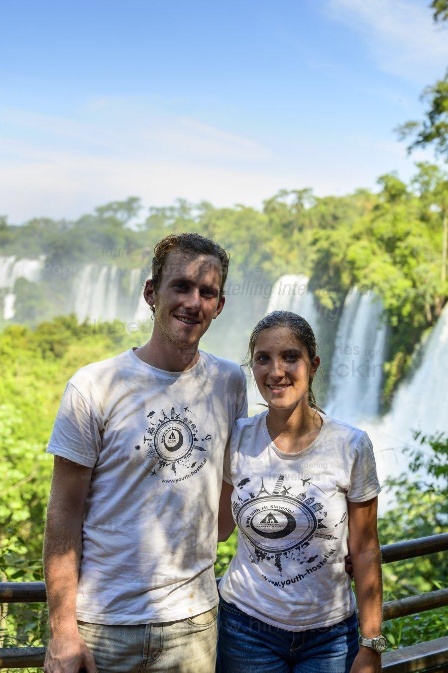 Iguazu slapovi, Lahkih nog naokrog