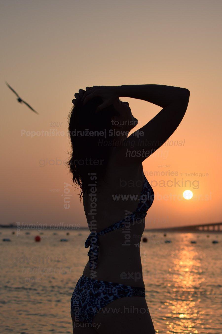Zaton arabskega sonca, Tina Skorjanc