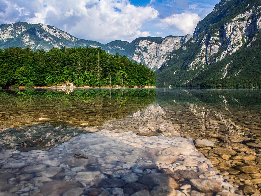 lake-3051961.jpg