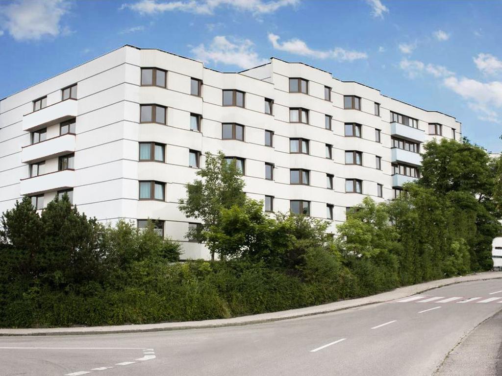 Youth_Hostel_Braunau_Aussenansicht1-aa.jpg