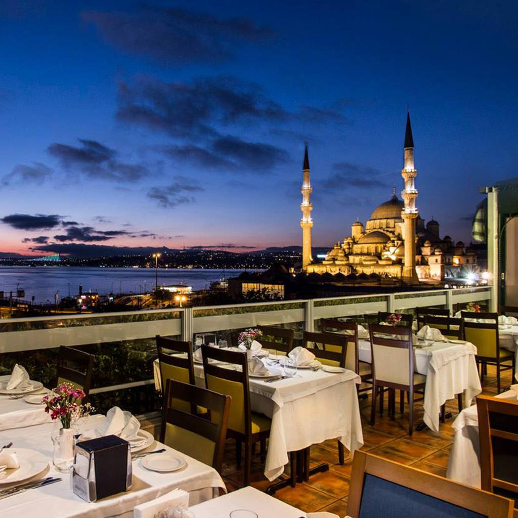 Clara_Mevzelj_Ozaj_-_Istanbul_4.jpg