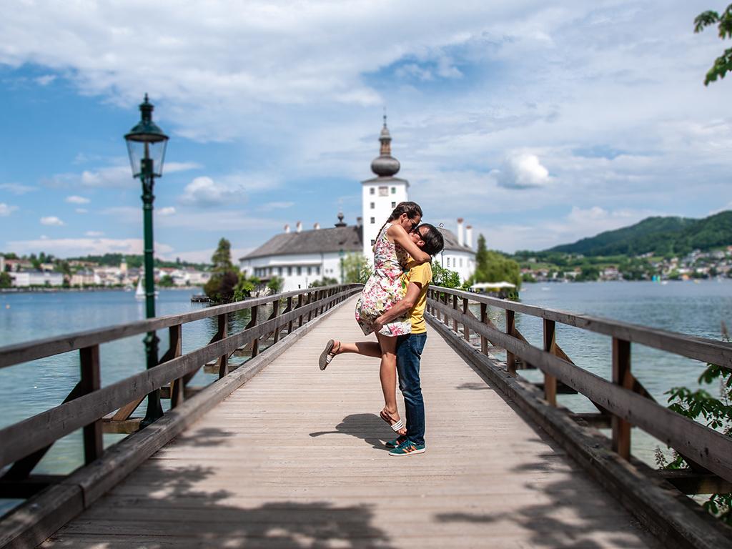 Austrian_Lake_Traunsee.jpg