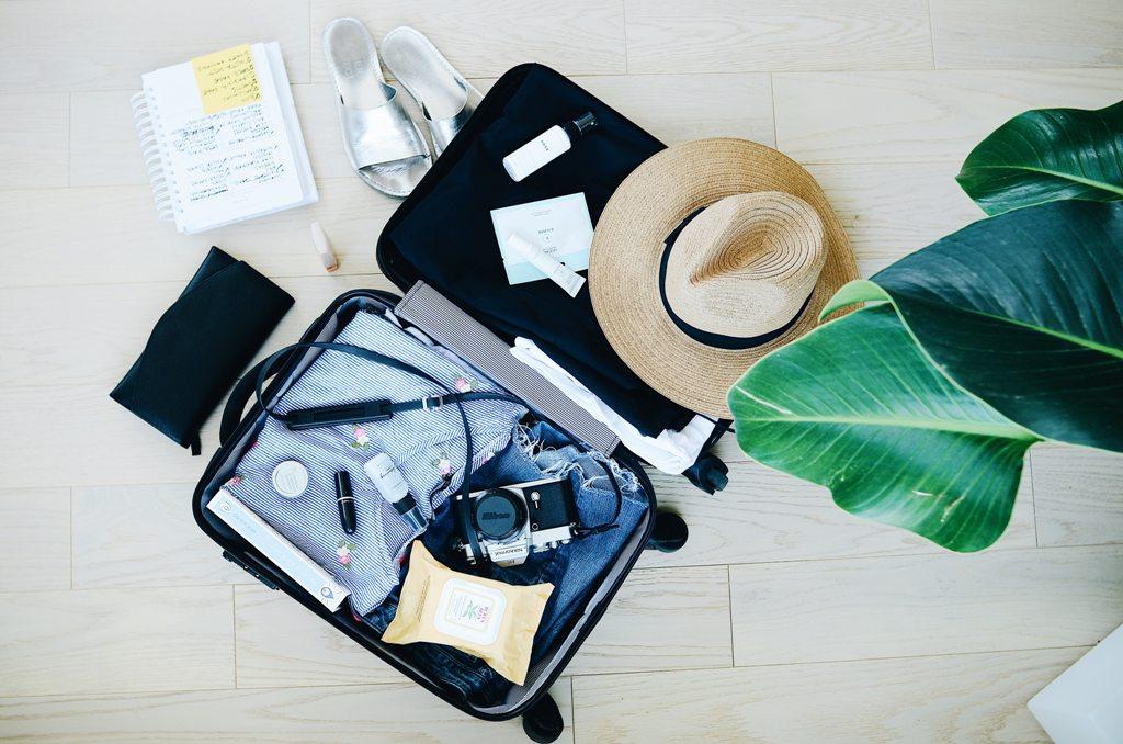 Lost_luggage_-_Izgubljena_prtljaga_-_Photo_by_STIL_on_Unsplash.jpg