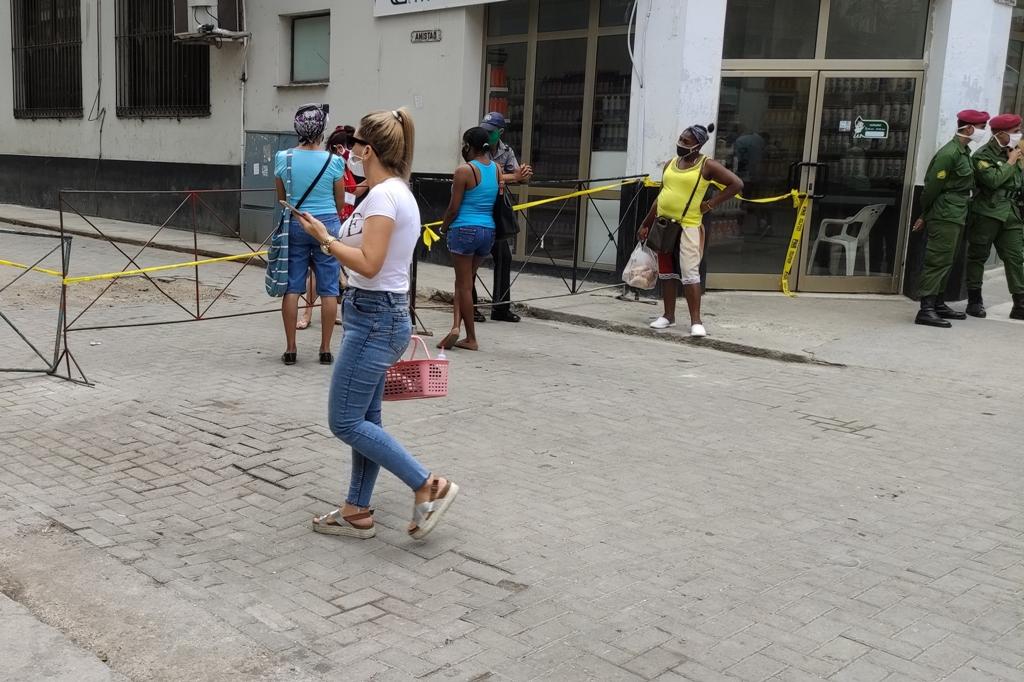 Potovanje_na_Kubo_-_Travel_to_Cuba_-__COVID-19_barrier.jpg