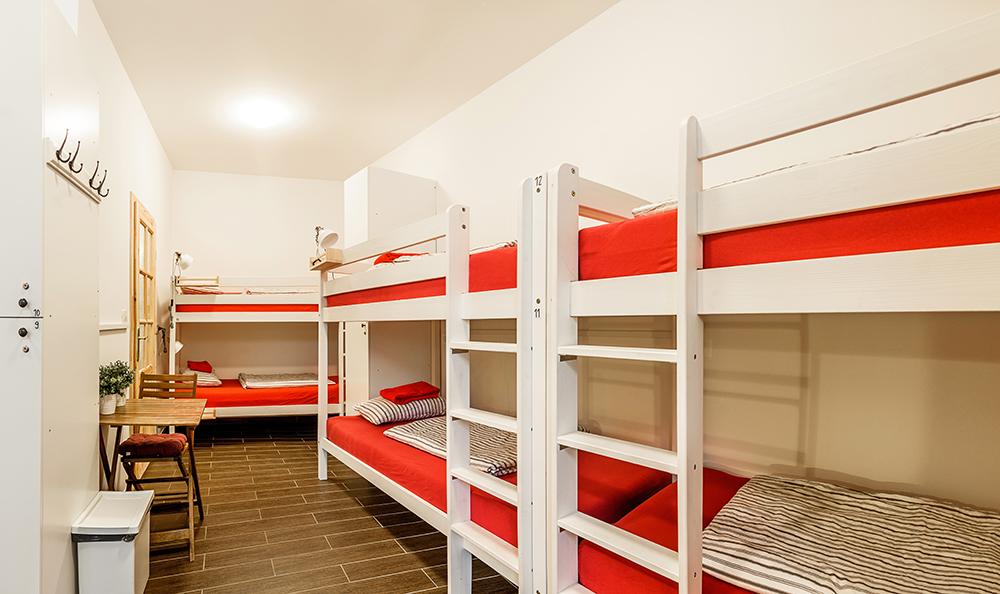 Hostel_Turn_1005.jpg