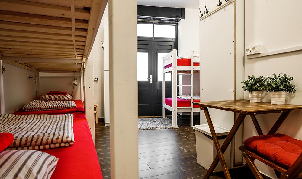 Hostel_Turn_1008.jpg