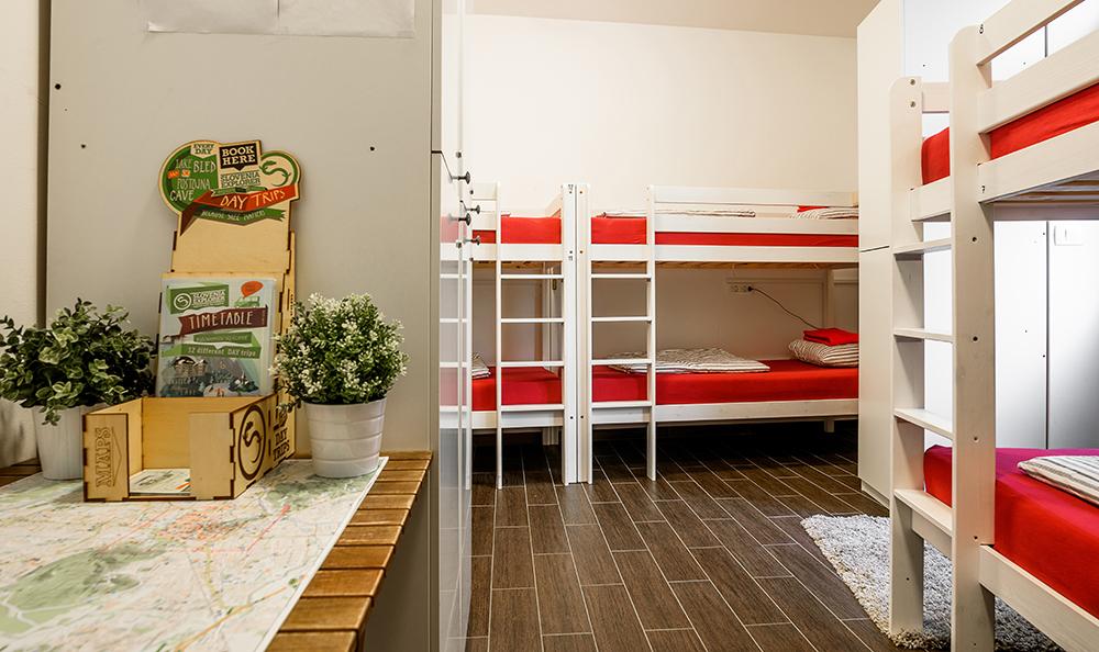 Hostel_Turn_1009.jpg