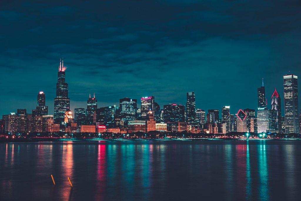Potovanje_v_Chicago_-_A_trip_to_Chicago_-_Photo_by_Max_Bender_on_Unsplash.jpg