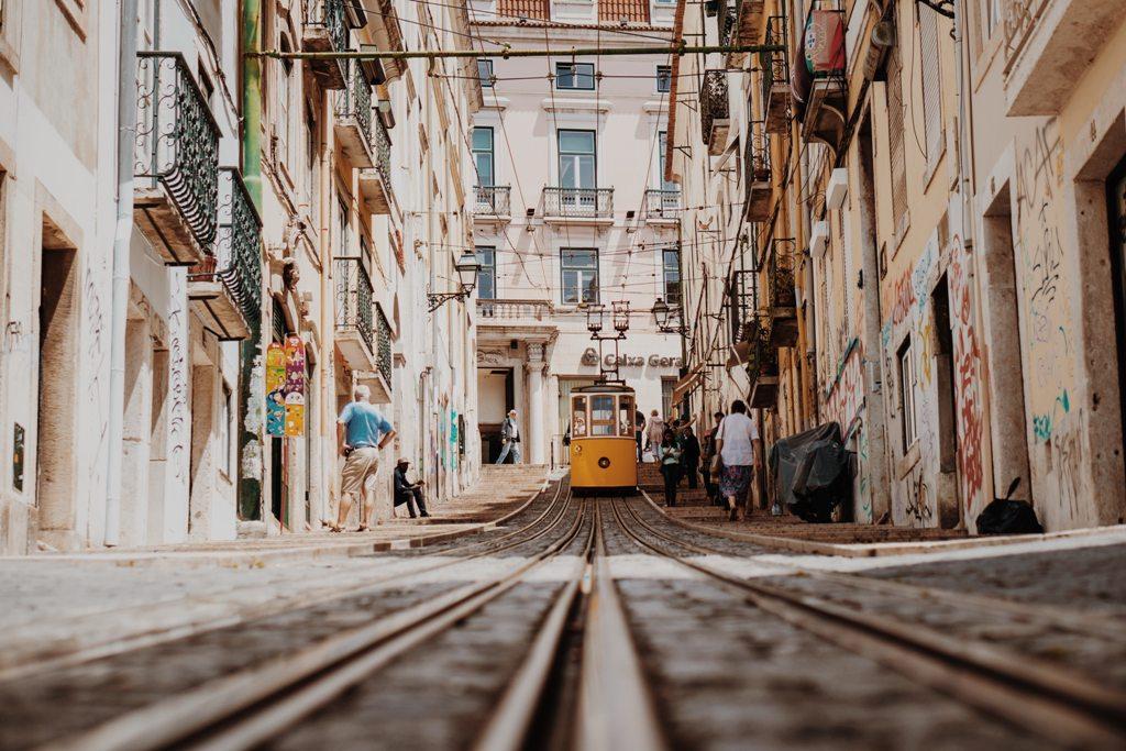 Potovanje_v_Lizbono_-_A_trip_to_Lisbon_-_Photo_by_Julian_Dik_on_Unsplash.jpg