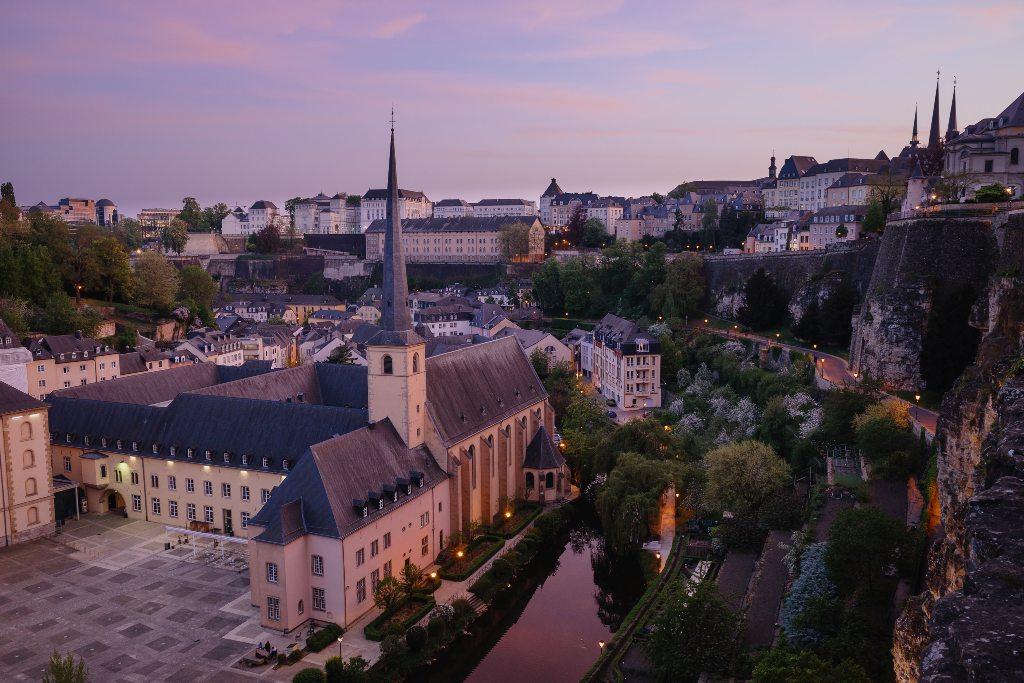 Potovanje_v_Luksemburg_-_Travel_to_Luxembourg_-_Photo_by_Cedric_Letsch_on_Unsplash.jpg