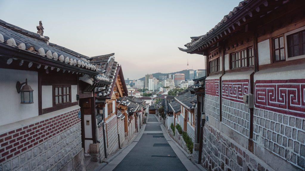 Potovanje_v_Seul_-_Travel_to_Seoul_-_Photo_by_Yeo_Khee_on_Unsplash.jpg