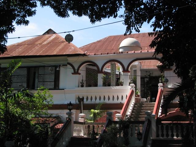 Travel's journal - Philippines - Hostelling International